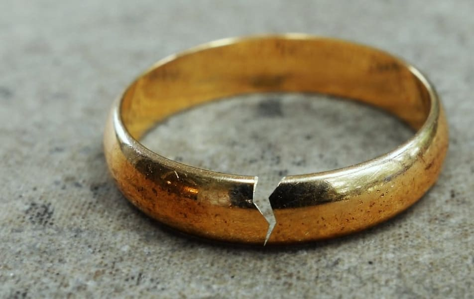 How to sell broken gold jewellery